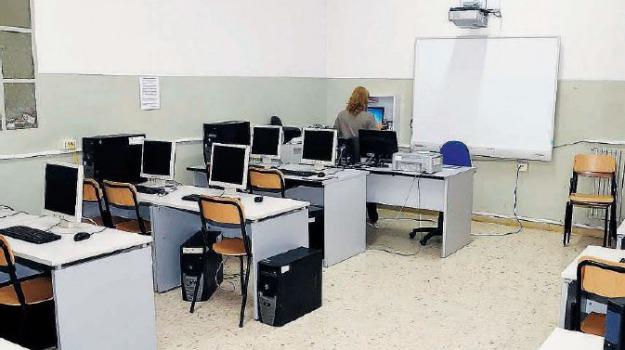 insegnanti sostegno, scuola, Messina, Archivio