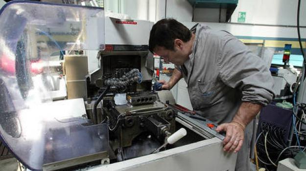 industria, produzione in calo, Sicilia, Archivio