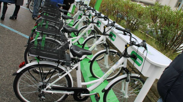 bike sharing, maggio, villafranca tirrena, Sicilia, Archivio