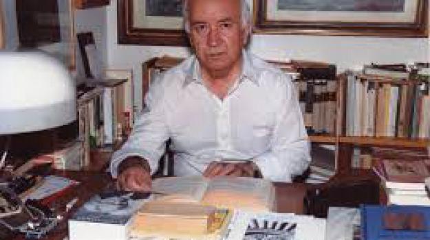 morto, saverio strati, scrittore, Reggio, Calabria, Cultura