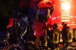 Scontro fra tir Muore camionista Bimbo intrappolato