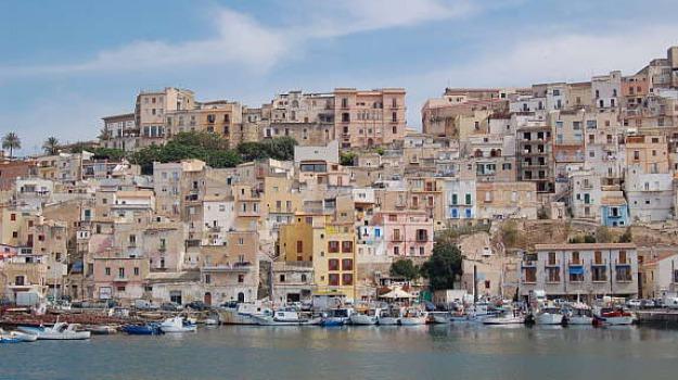 cadavere in mare, porto, sciacca, Sicilia, Archivio