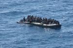 Migranti, ancora sbarchi a Lampedusa: soccorsi 4 barchini con 150 tunisini
