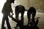 Giostraio sequestrato costretto a scusarsi in ginocchio: presa baby gang catanese