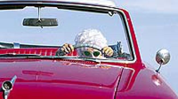 anziana, guida senza patente, Sicilia, Archivio