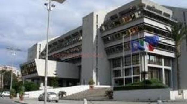 Calabria, perquisiti gli uffici della Regione - Gazzetta ...