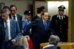 """Berlusconi all'attacco """" Magistratura irresponsabile"""""""