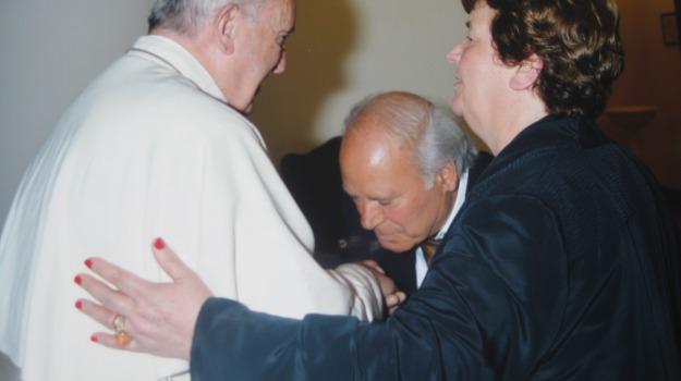 angelo  e anna, papa francesco, trenta, Calabria, Archivio