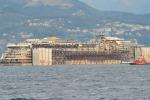 La Concordia a Genova Finisce l'ultimo viaggio