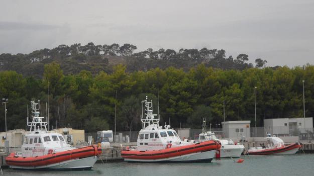 barca a vela, soccorsa, Reggio, Calabria, Archivio