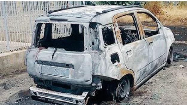 auto incendiata, Sicilia, Archivio