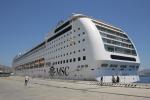 La Msc Lirica nel porto storico di Messina
