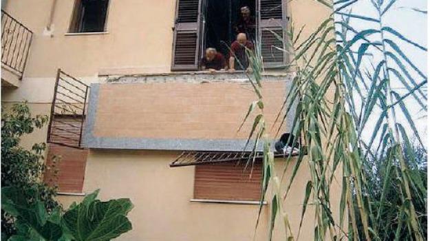 crolla balcone, Sicilia, Archivio
