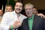 Bossi denuncia Salvini per il vitalizio