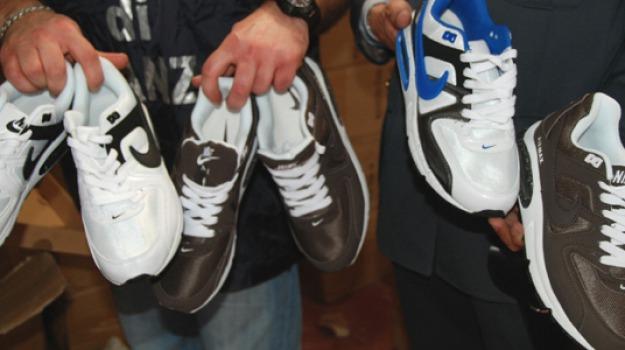 scarpe rubate, taroccate, Messina, Sicilia, Archivio