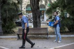 Squilibrato accoltella quattro carabinieri