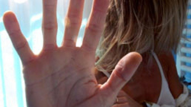 abusi sessuali, caltanissetta, finto mago, niscemi, Sicilia, Archivio