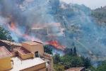 Vasto incendio, evacuata la scuola