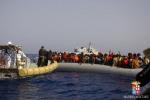 Il Papa: la Chiesa superi la diffidenza per i migranti