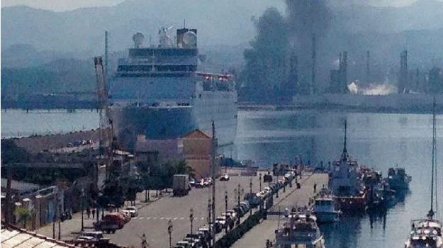 incendio alla rafineria, Sicilia, Archivio