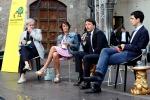 Una 25enne siciliana ha lanciato uova a Renzi