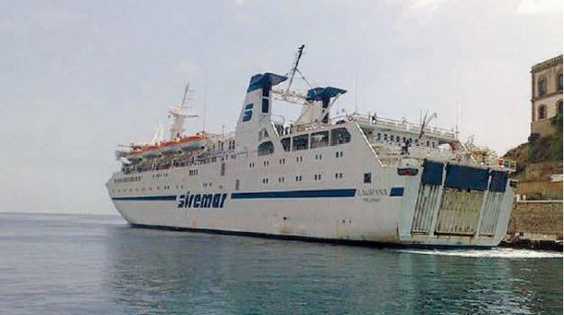 nave siremar, salina, Sicilia, Archivio