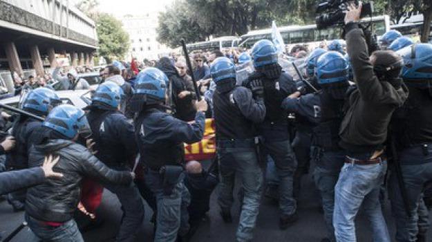 corteo, scontri roma, Sicilia, Archivio, Cronaca