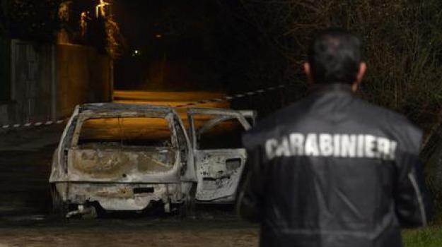 auto incendiata, cosenza, polizia penitenziaria, Cosenza, Calabria, Archivio