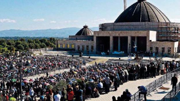 assemblea annullata, natuzza, paravati, vescovo, Catanzaro, Calabria, Archivio