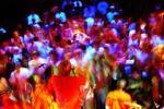 Rave party a Caltanissetta, nel bosco un palco e centinaia di giovani: pioggia di denunce