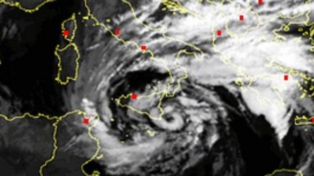catania, ciclone, sicilia, siracusa, Messina, Sicilia, Archivio