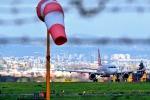 Aereo in avaria atterraggio di emergenza