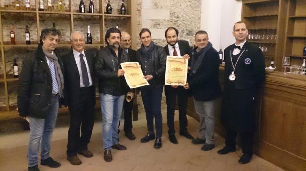 cosenza, vino novello, Cosenza, Calabria, Archivio