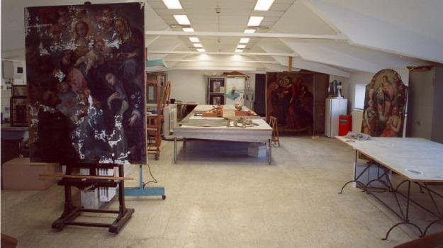 cosenza, laboratorio restauro, soprintendenza, Cosenza, Archivio