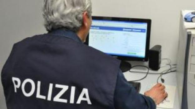 operatore schiaffeggia, ragazzo autistico, Sicilia, Archivio