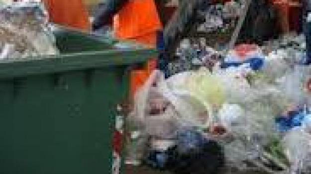 carabinieri, rifiuti, roggiano gravina, Sicilia, Archivio