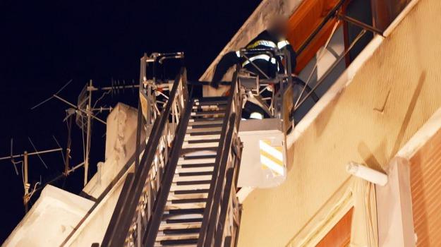 incendio abitazione, Messina, Archivio