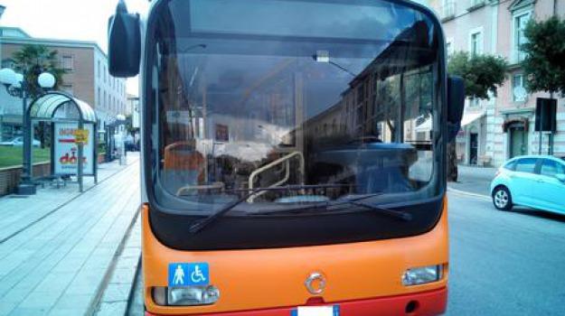 autobus, palermo, protesta, tetto, Sicilia, Archivio