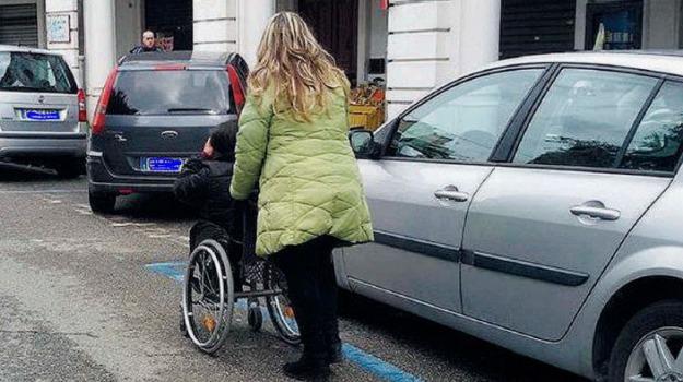 disabili, piazza del popolo, Messina, Archivio