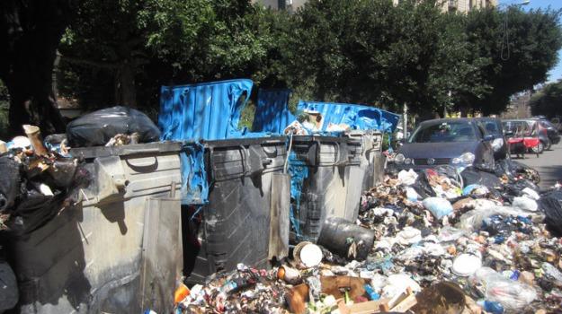 cassonetti pieni, palermo rifiuti, Sicilia, Archivio