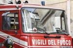 Presi a sassate vigili del fuoco al lavoro