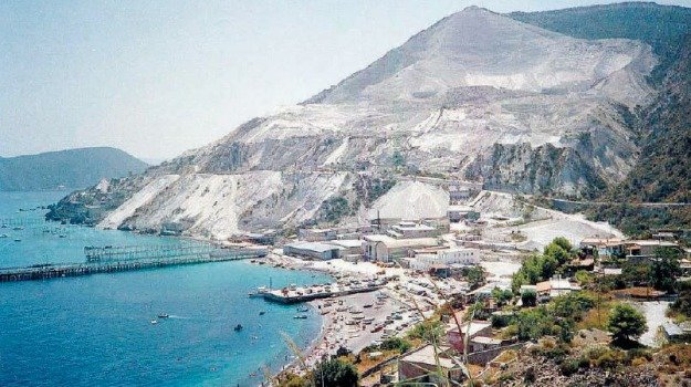 cave pomice, lipari, riqualificazione, Messina, Archivio