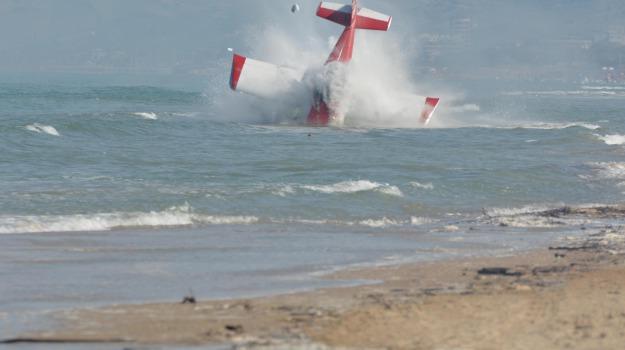 frecce tricolori, muore pilota, sconto tra aerei, Sicilia, Archivio, Cronaca