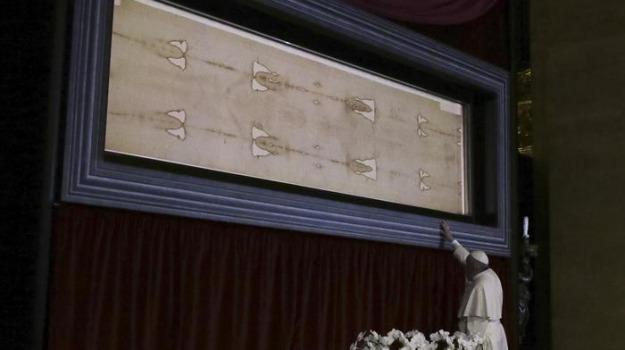 papa francesco, sindone, Sicilia, Archivio, Cronaca