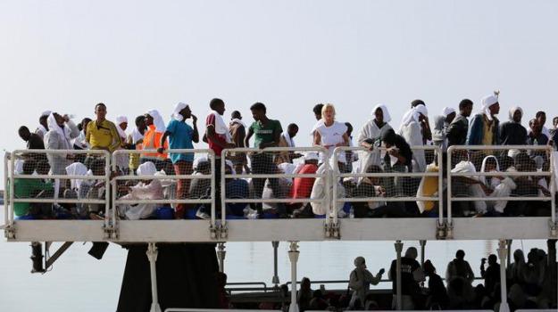 migranti, pozzallo, Sicilia, Archivio
