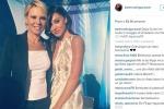 Belen posta selfie con Maria De Filippi, web scatenato
