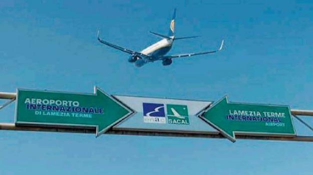 aereo, calabria, green pass, sacal, Calabria, Cronaca