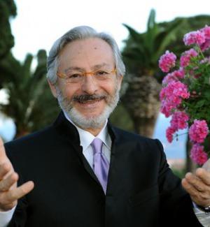 Auguri Leo Gullotta: 75 anni spettacolari tra cinema, teatro e tv