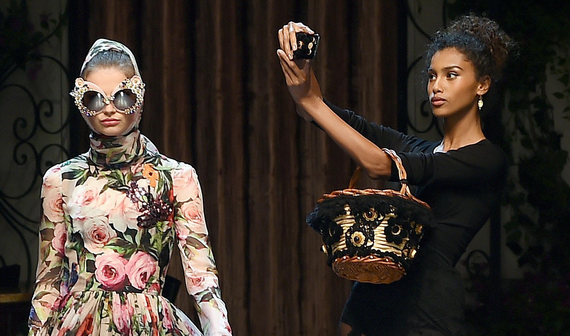 L Italia da selfie di Dolce   Gabbana - Gazzetta del Sud 70d009cd9cd