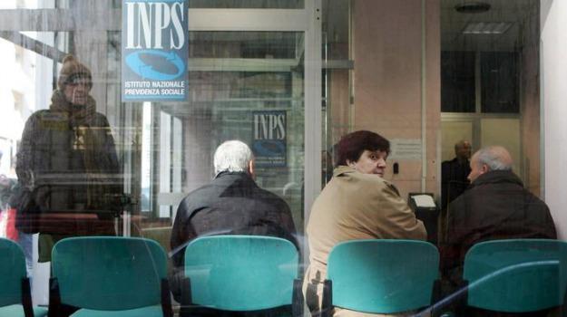 pensionati, pensioni, Sicilia, Archivio, Cronaca